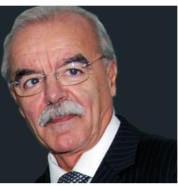 Dr. Eduardo Rey