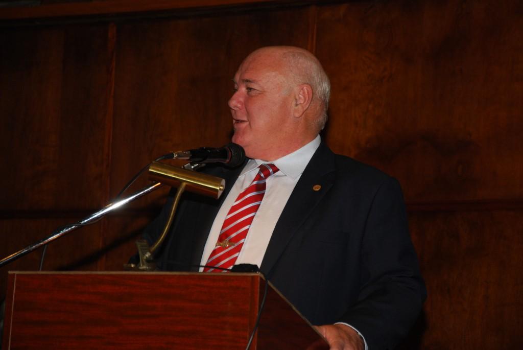 Rector de la Universidad de Buenos Aires Prof. Dr. Rubén Hallu.